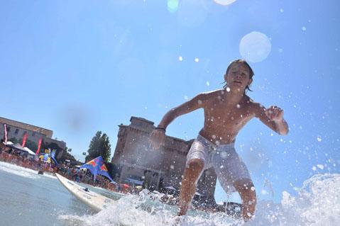 bimbo-surf.jpg