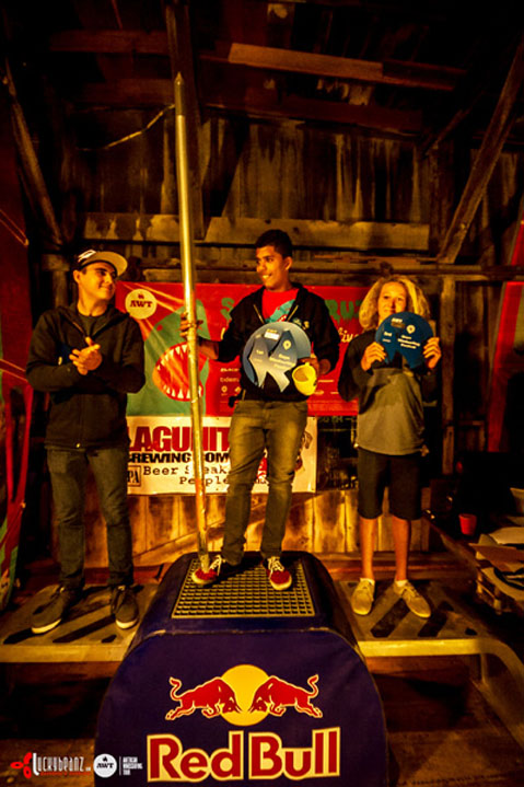 youth-podium-vert.jpg